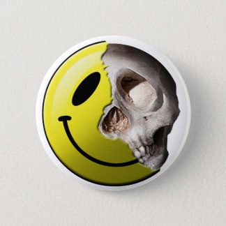 Skull smiley pin