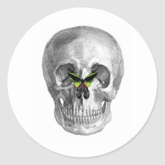 SKULL WITH BUTTERFLY ON NOSE PRINT CLASSIC ROUND STICKER