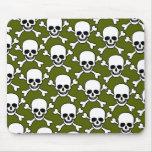 skull with crossbones design mouse mat
