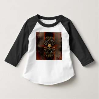 Skull with snakes on red background with damasks t-shirt
