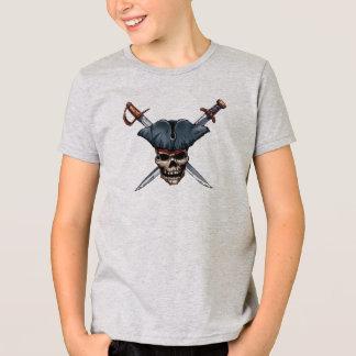 Skulle y espadas cruzadas con el gorra Disney del Playera