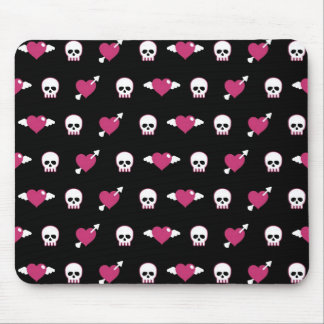 Skulls and hearts mouse pad