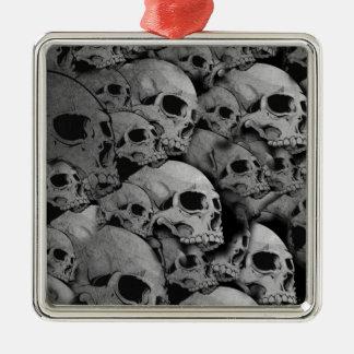 Skulls (black and white) metal ornament