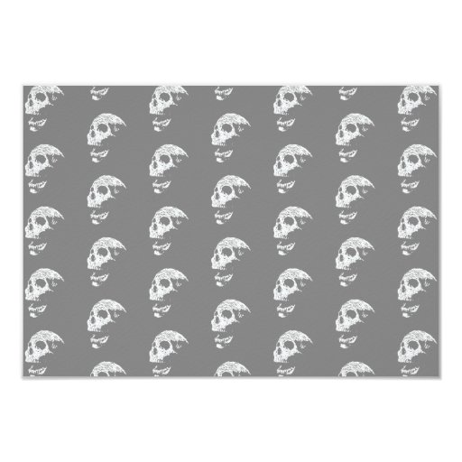 """Skulls Pattern in Gray and White. 3.5"""" X 5"""" Invitation Card"""