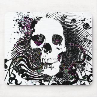 skullz. straight twisted arrows. mouse pad