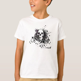 skullz. straight twisted arrows. T-Shirt