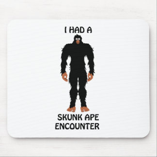 SKUNK APE MOUSE PAD