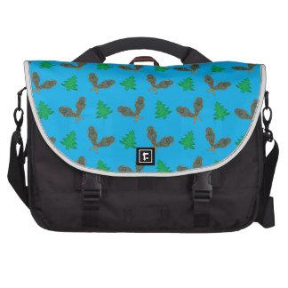 Sky blue snowshoe pattern laptop bags