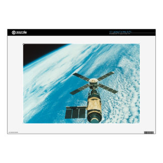 """Skylab over Earth 15"""" Laptop Decals"""