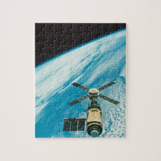 Skylab over Earth Jigsaw Puzzle
