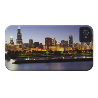 Skyline of downtown Chicago at dusk iPhone 4 Case-Mate Case