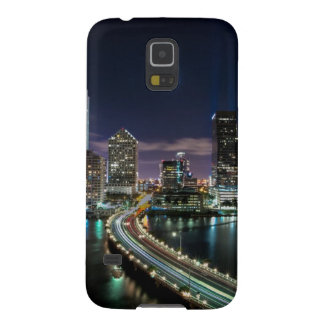 Skyline of Miami city with bridge at night Galaxy S5 Cover