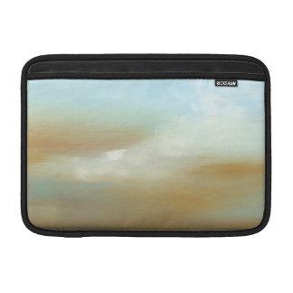 Skyscape hermoso con las nubes mullidas funda  MacBook