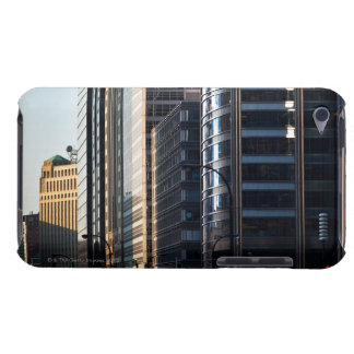 Skyscrapers line Chicago's financial district Case-Mate iPod Touch Case