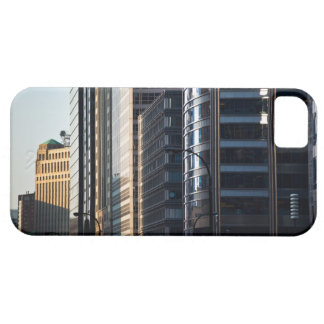 Skyscrapers line Chicago's financial district iPhone SE/5/5s Case