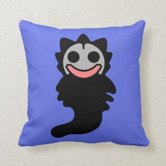 Slappy-Denka Clupkitz Kuseno Throw Pillow