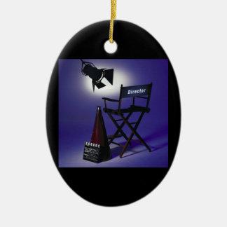 Slate del director, silla y luz 2 de la etapa adorno navideño ovalado de cerámica