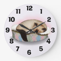 Sleepy Ragdoll Kitty Clock
