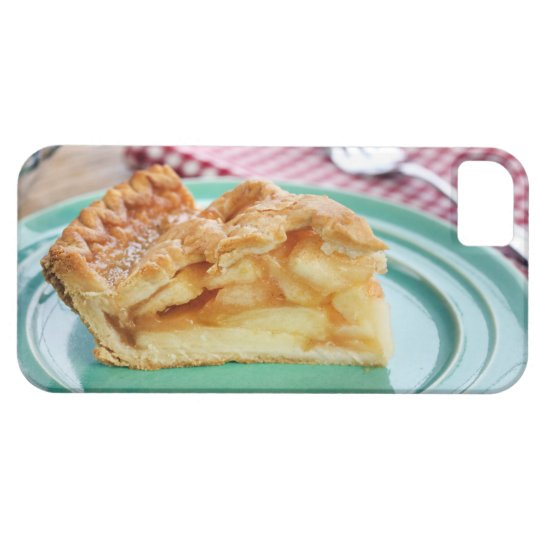 Slice of fresh baked apple pie on plate iPhone SE/5/5s case