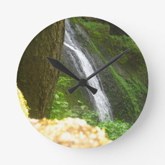 Slow Falls Round Clock