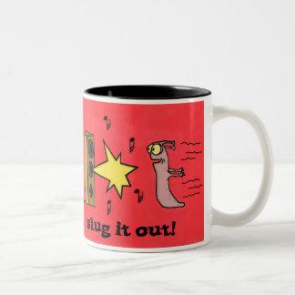 Slug lo hacia fuera asaltan tazas de café
