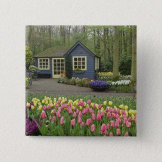 Small cottage flower shop, Keukenhof Gardens, Button