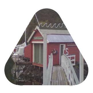 small house and sea.jpg speaker