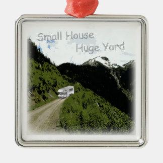 """Small House. Huge Yard."" RV Themed XMAS Ornament"