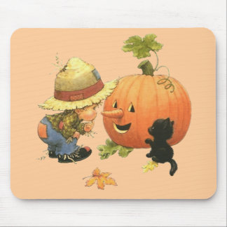 Small the gar�on and the pumpkin - mousepads