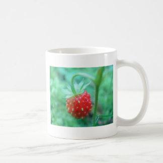 Small wild strawberry coffee mug