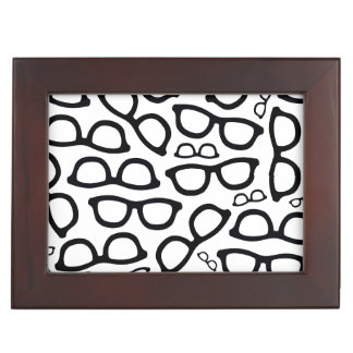 Smart Glasses Pattern Memory Box