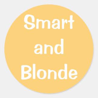 Smart y Blonde Pegatina Redonda