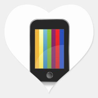 Smartphone con la pantalla colorida pegatina en forma de corazón