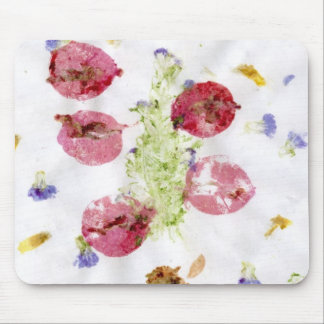Smashed flowers craft, bougie red and green mouse pads