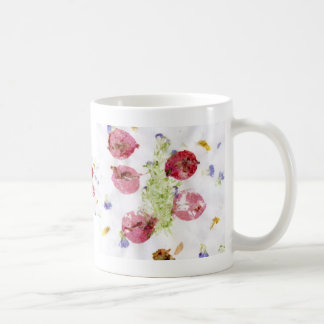 Smashed flowers craft, bougie red and green coffee mug