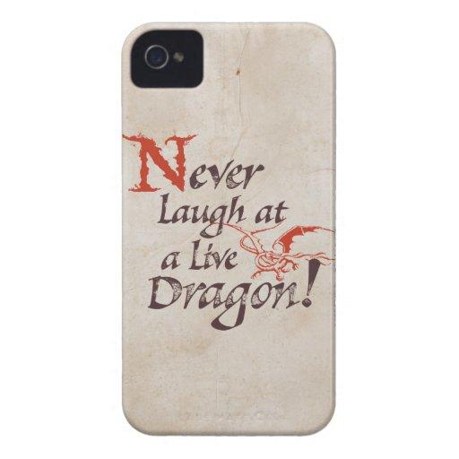 SMAUG™ - Nunca ríase de un dragón vivo Carcasa Para iPhone 4