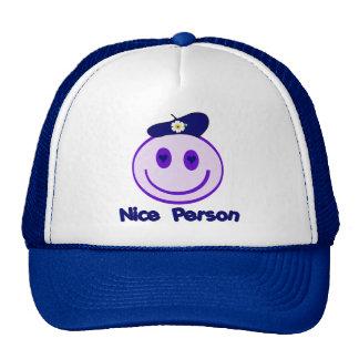 Smiley agradable de la persona gorras de camionero