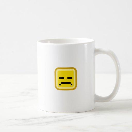 smiley ajustado triste taza básica blanca