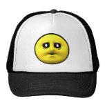 Smiley amarillo que sopla un beso gorros bordados
