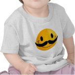 Smiley con el bigote camisetas