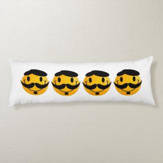 Smiley con el dibujo animado del bigote cojin cama