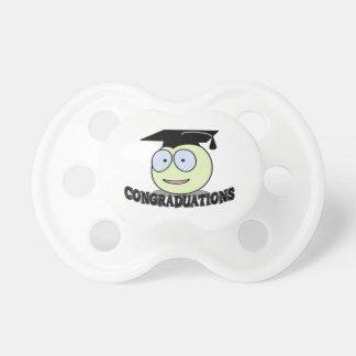 Smiley de Congraduations con el casquillo del grad Chupete De Bebé