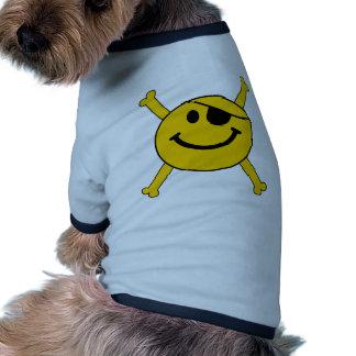 Smiley de la bandera de pirata camisetas de perrito