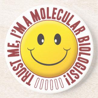 Smiley de la confianza del biólogo molecular posavasos de arenisca