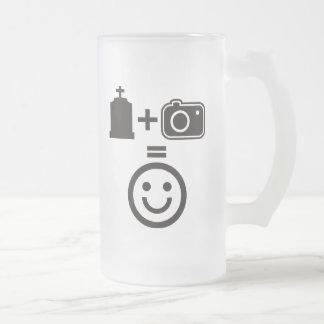 Smiley de la fotografía del cementerio jarra de cerveza esmerilada