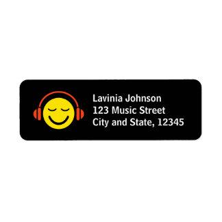 Smiley de la música con las etiquetas del remite d etiqueta de remite