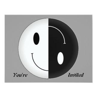 """Smiley de Yin Yang Invitación 4.25"""" X 5.5"""""""