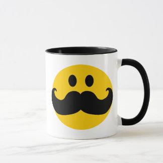 Smiley del bigote (color de fondo adaptable) taza