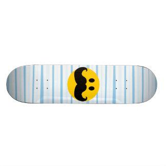 Smiley del bigote skateboards