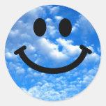 Smiley del cielo etiqueta redonda